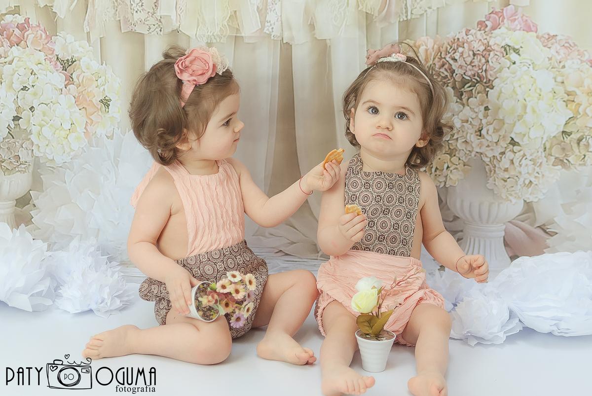 Imagem capa - Amizade Com Amizade Se Paga por Patrícia Oguma
