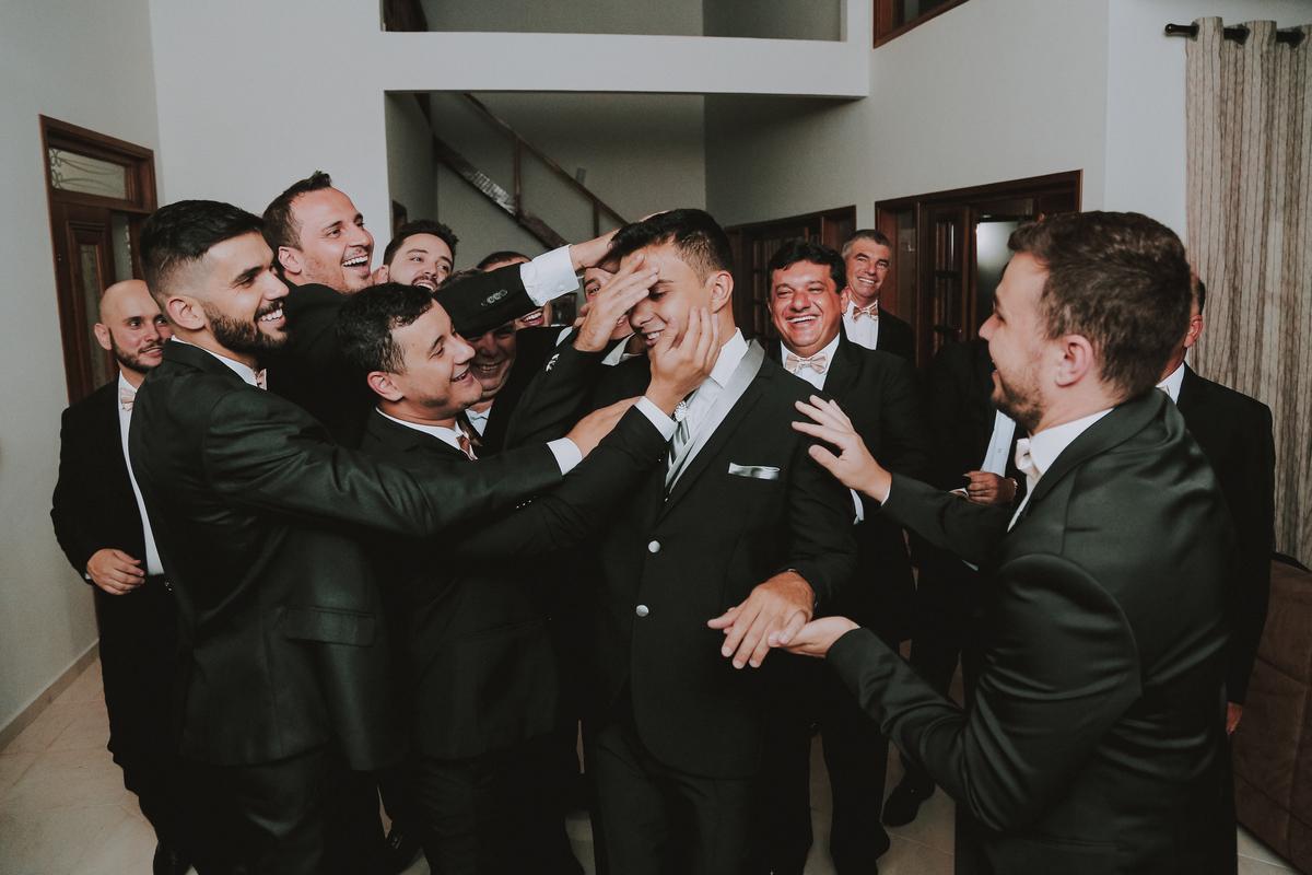 Imagem capa - Gifs mais engraçados de casamento por Ricardo  Gonçales