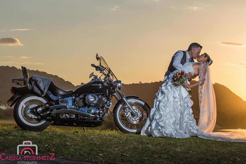 Imagem capa - Queremos te dar um lindo Ensaio Pré-Casamento! Mas serão para APENAS 05 casais!!! por Carina Steinmetz