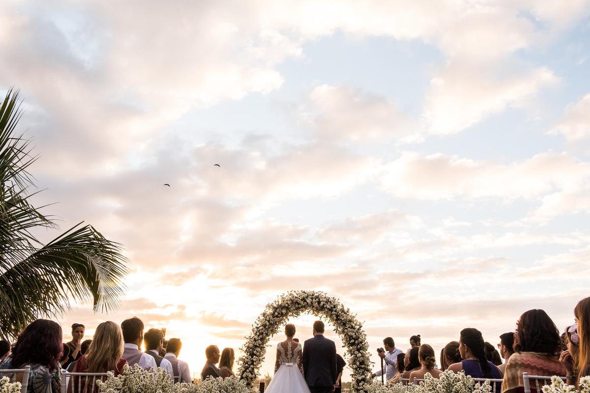 Imagem capa - O Que Não Pode Faltar No Dia do Casamento: PARTE 1 - CERIMÔNIA por EF Cerimonial