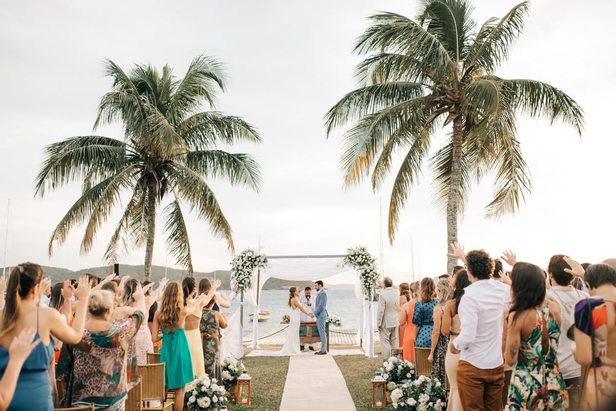 Imagem capa - Casando em Búzios: Como Ter Um Casamento dos Sonhos por EF Cerimonial