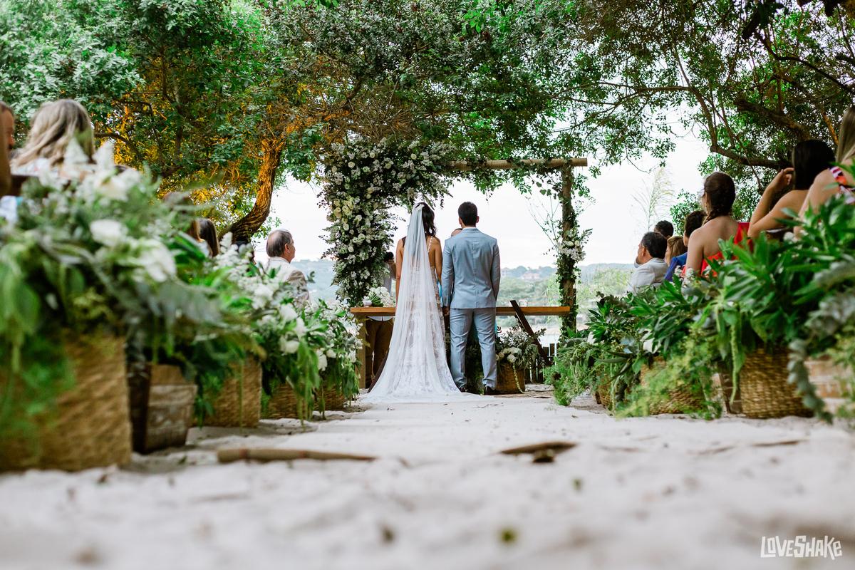 Imagem capa - As Vantagens de Casar em Um Hotel ou Pousada em Búzios: por EF Cerimonial