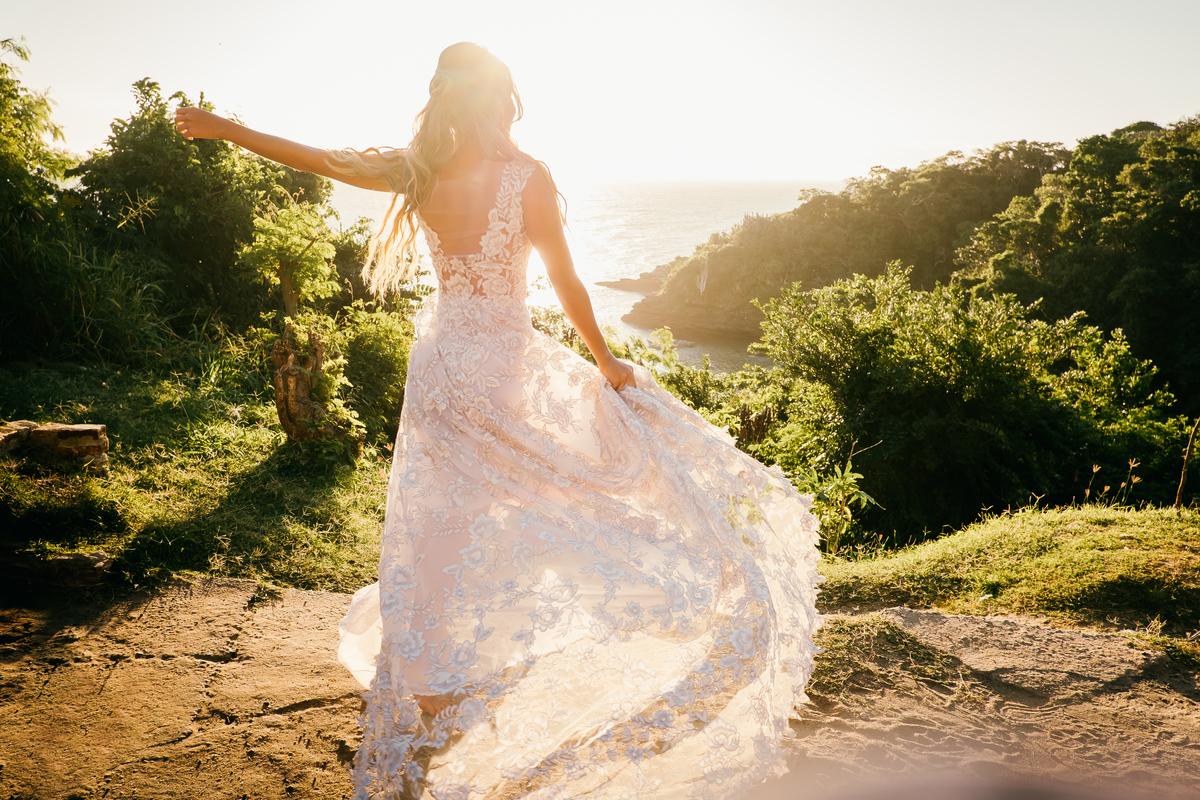 Imagem capa - Vestido De Noiva: Como Escolher o Vestido Perfeito por EF Cerimonial