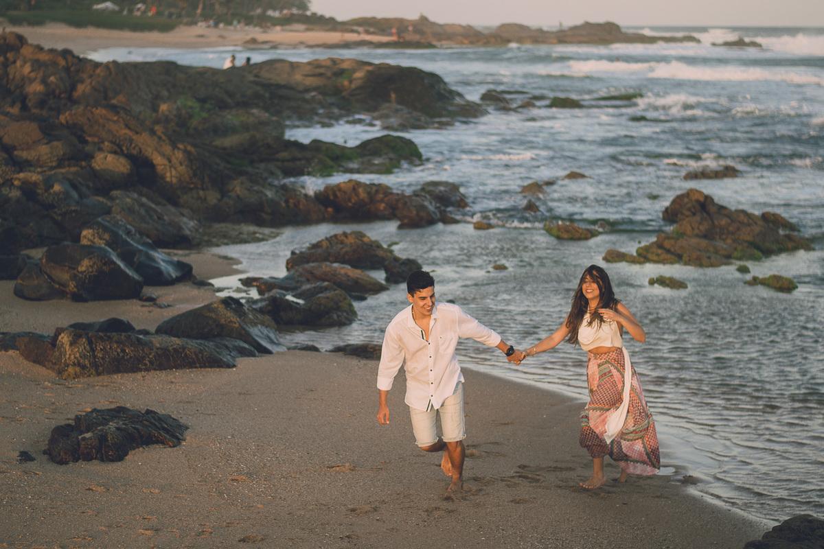Salvador-Farol de Itapoã-Pedra do Sal-tarde em itapoã-ensaio fotografico de casal