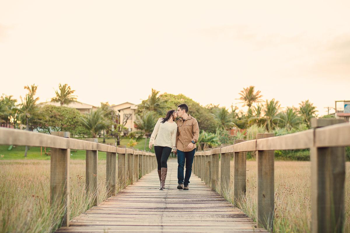 Ensaio de casal diferente-praia do forte-itacimirim-castelo garcia davila-ensaio de casal