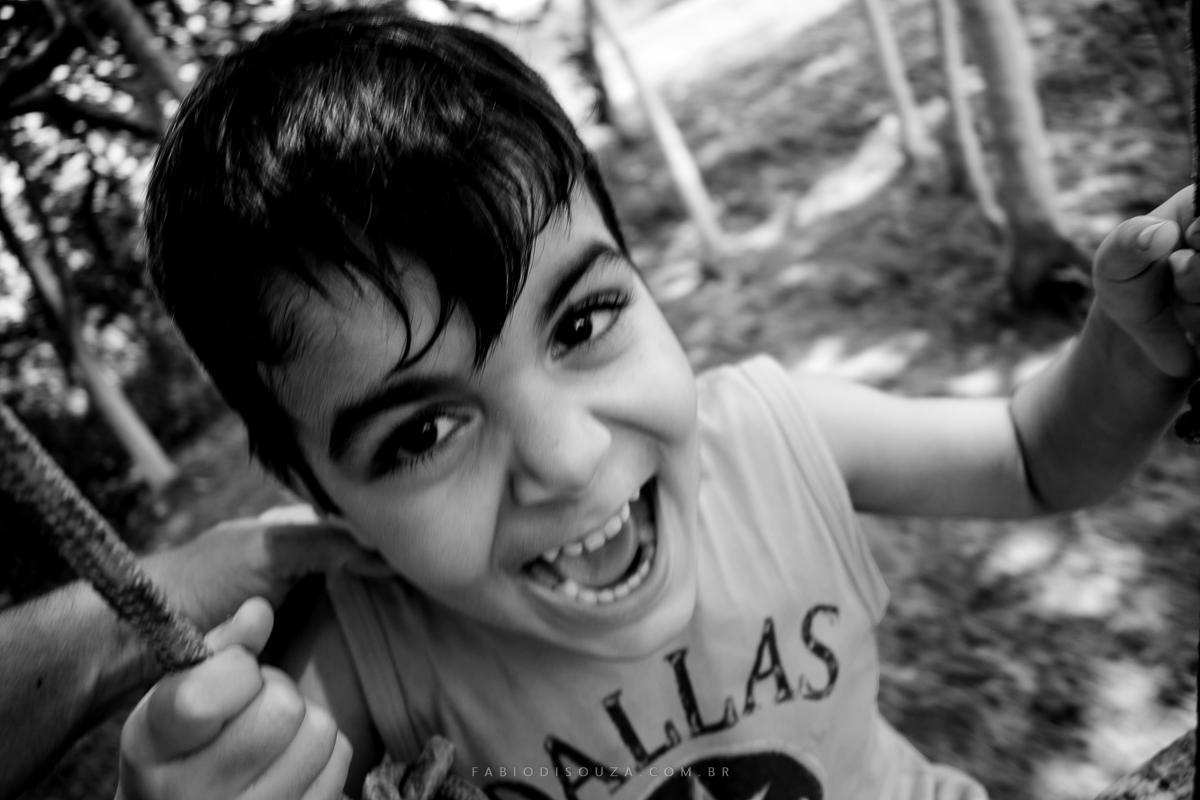Ensaio_documental_no_campo  Crianças brincando