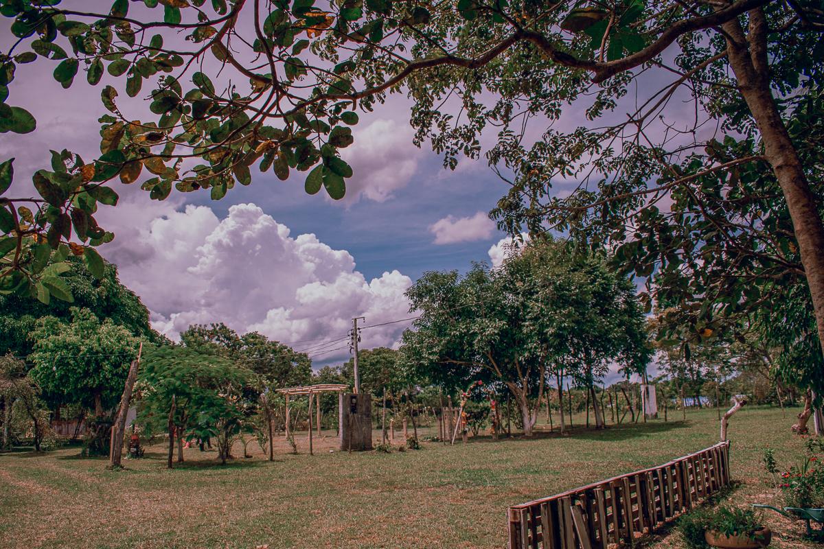 Ensaio_documental_no_campo  nuvens e céu azul