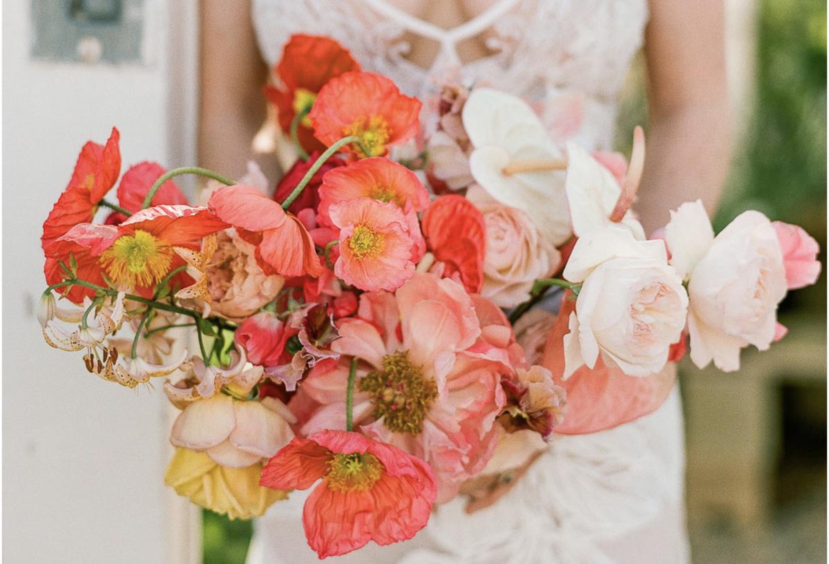 Imagem capa - Pantone living coral: cor tendência de 2019 para casamentos por Adriano Cardozo Photographer