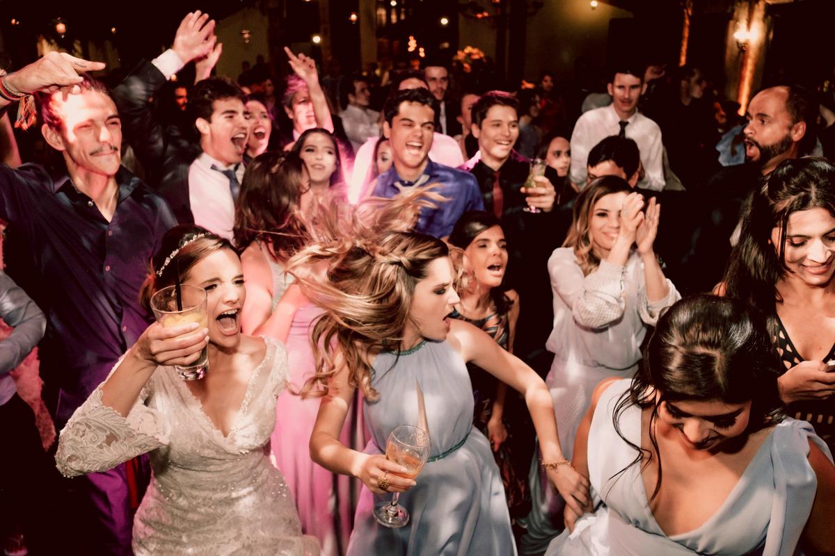 Imagem capa - 3 segredos para ter uma festa de casamento de arrombaaaa!!! por Sebastian Herrera