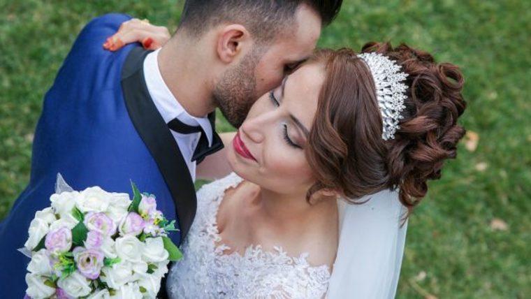 Imagem capa - 8 estilosos penteados para noivas que serão forte tendência em 2017 por Elton Abreu Araujo Sampaio