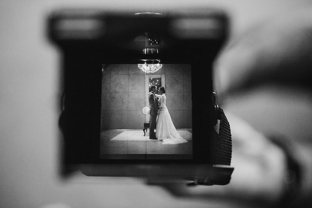 Imagem capa - A Camera Fotográfica do Pai do Noivo por Rita Rocha