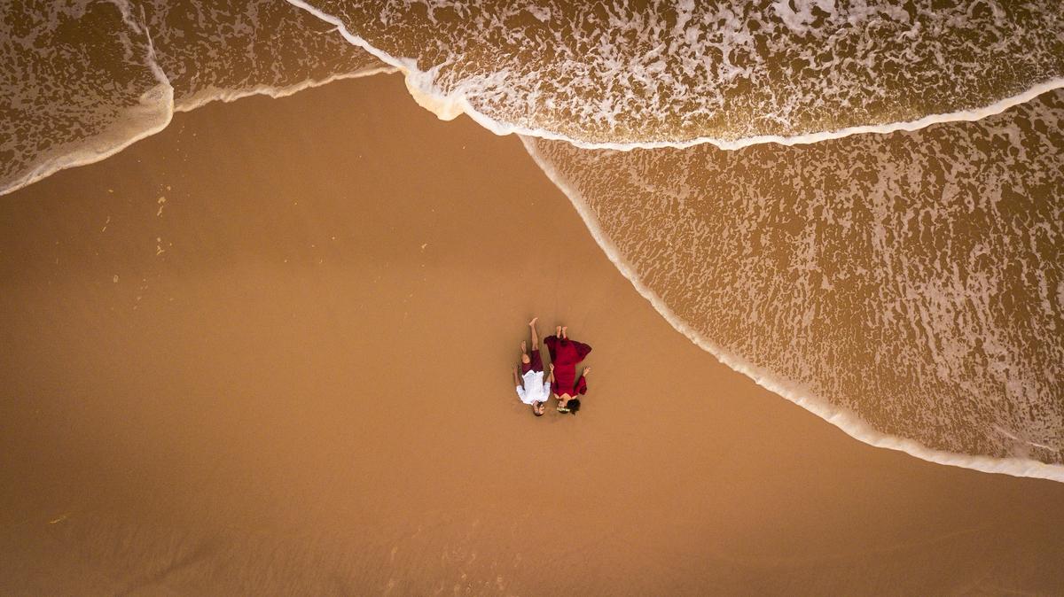 Imagem capa - Vantagem do uso de drones na filmagem. por Araras Produtora