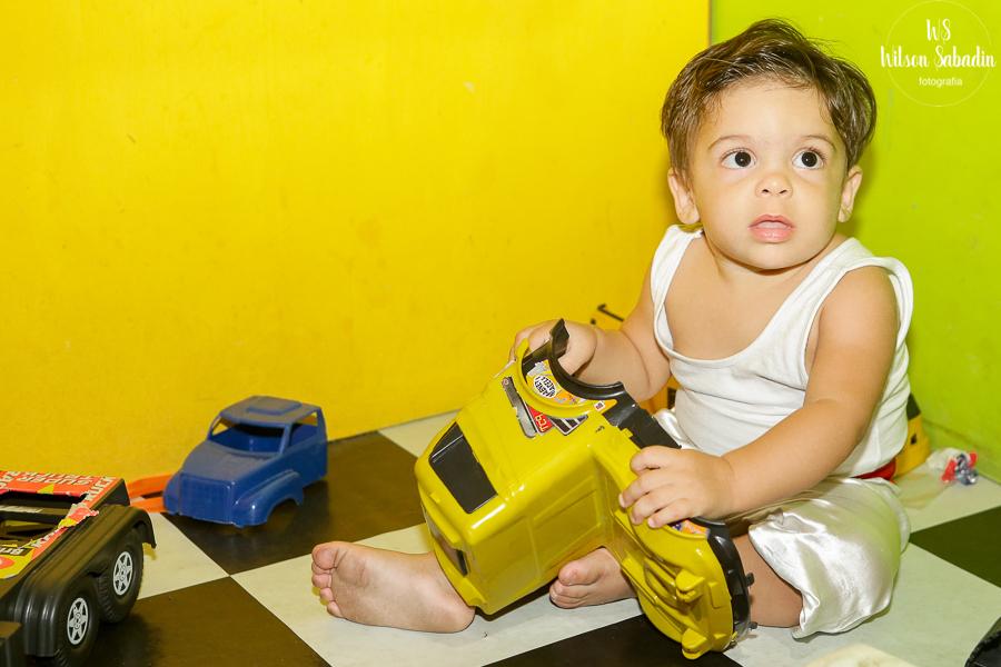 Nicholas com os brinquedos, Fotografia infantil em Salvador Bahia, festa de aniversário infantil
