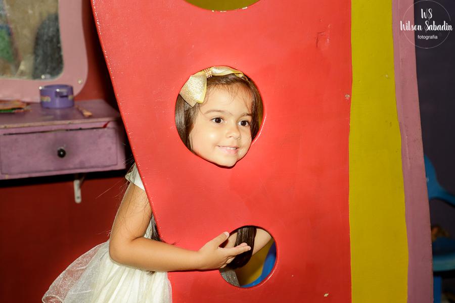 Isabelle brincando, Fotografia infantil em Salvador Bahia, festa de aniversário infantil
