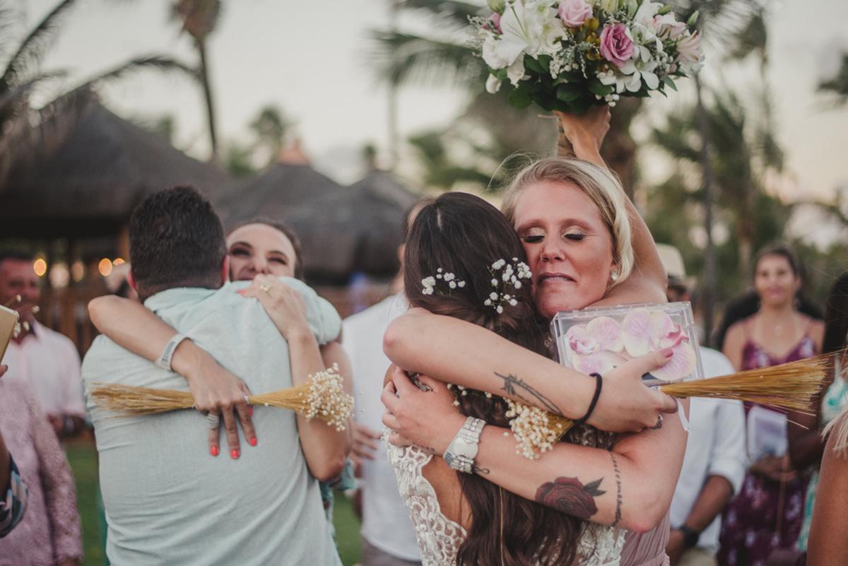 Imagem capa - Quem você quer abraçar quando tudo isso acabar? por Silas Coelho