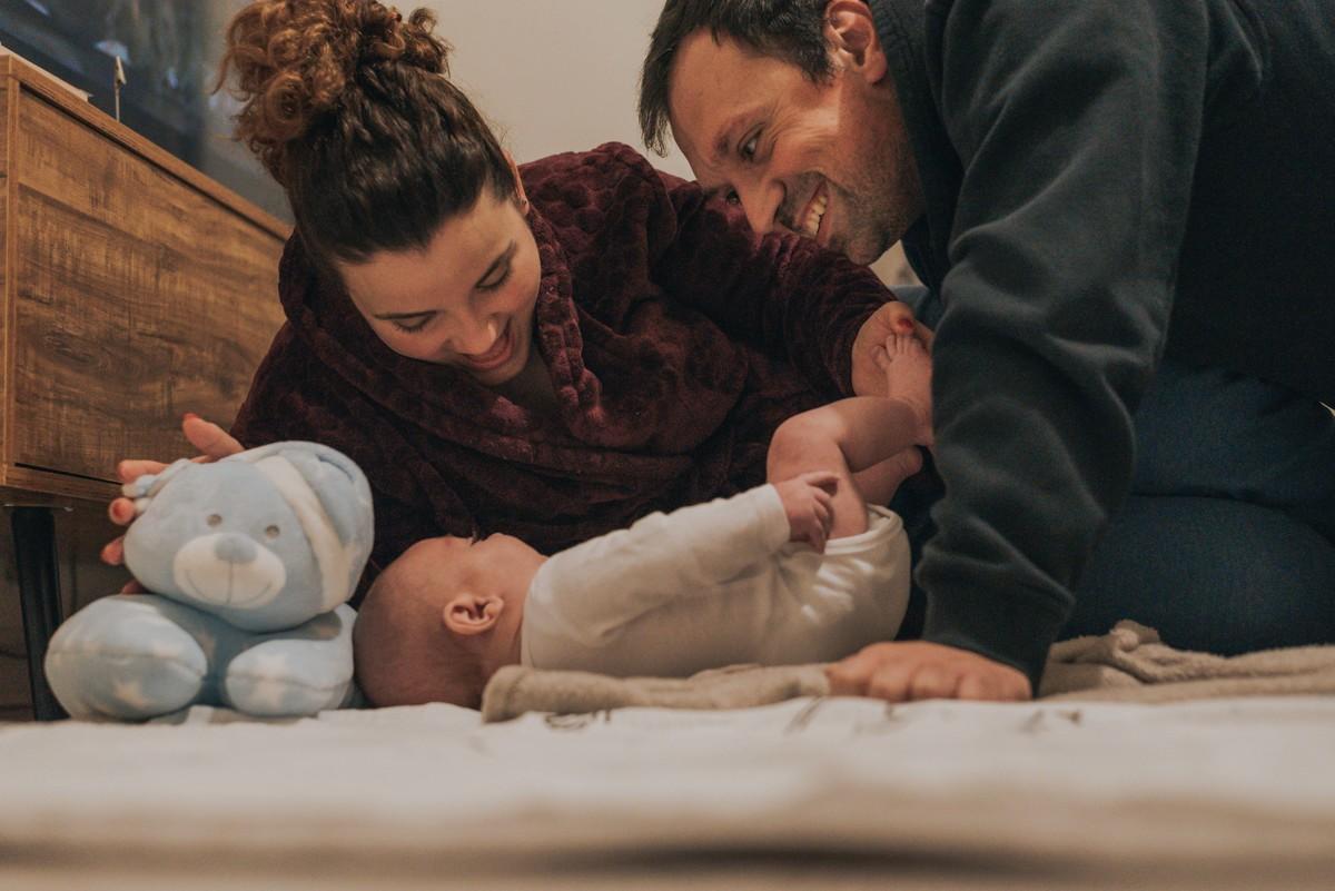 Imagem capa - Um bebe, família, amigos e um negócio para gerir por flashupstories