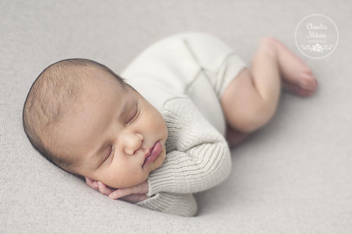 Imagem capa - Perguntas frequentes sobre o ensaio newborn por Claudia Milani Fotografia
