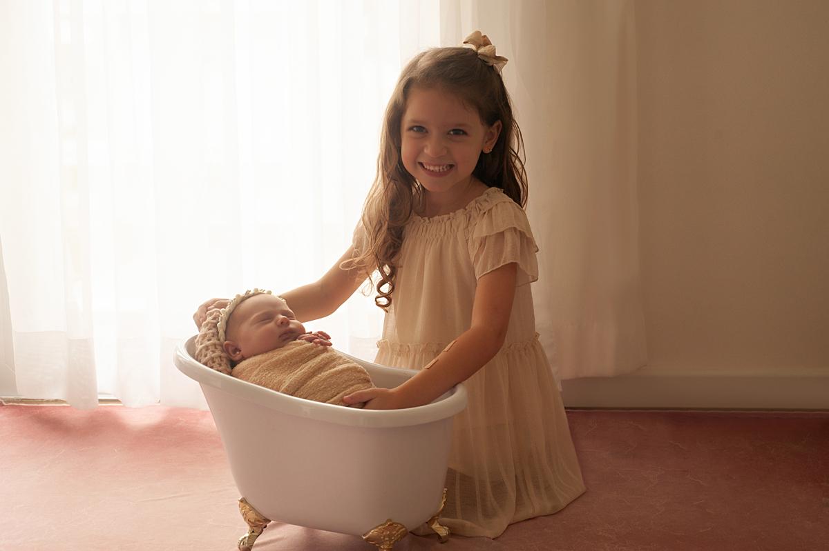 Imagem capa - O Banho do Recém-Nascido por Claudia Milani