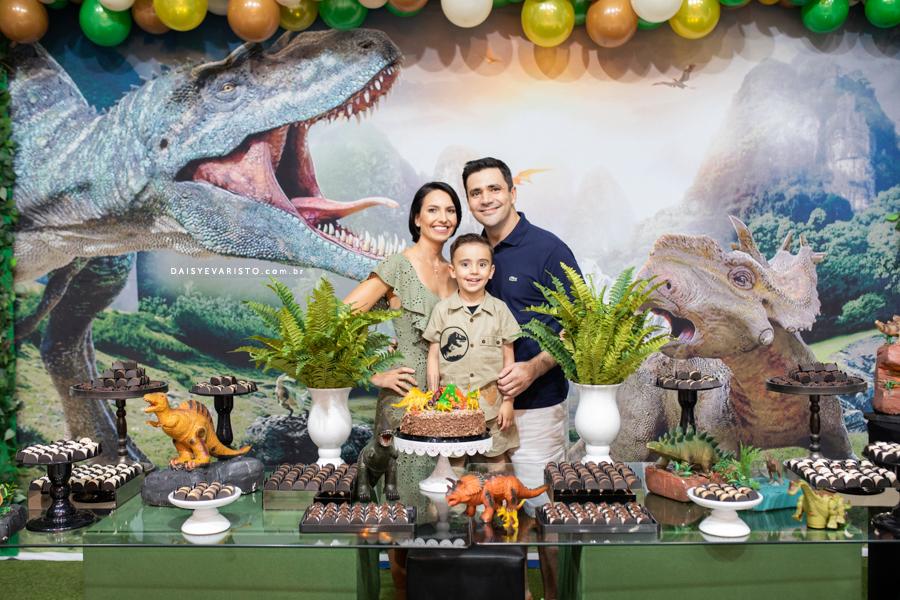 fotografo aniversario infantil joinville casa de festa pety paio decoração dinossauro Pedro 4 Anoscaçador safari explorador