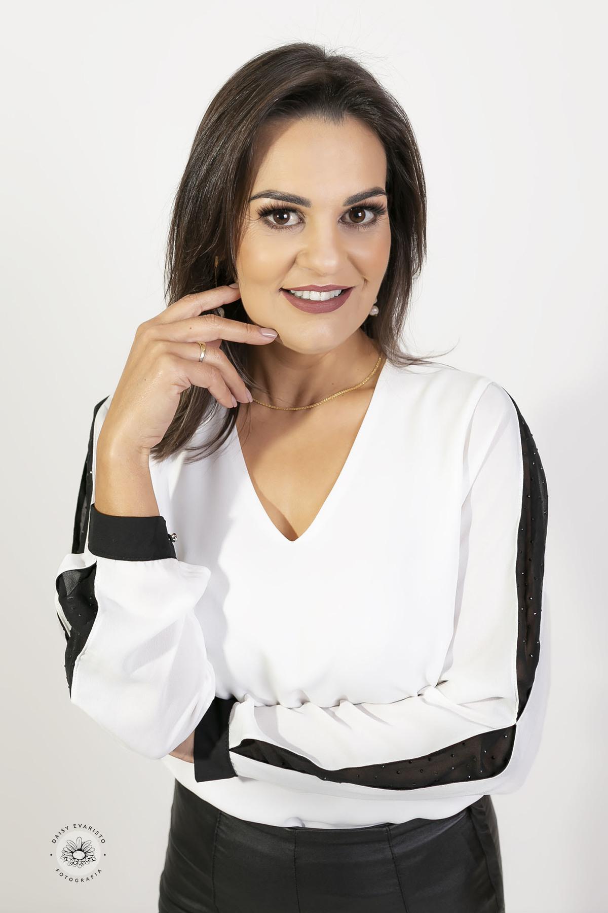 Elizane Stefanes e Leticia Portela Advogadas daisy evaristo fotografia fotografo ensaio profissional estudio joinville retrato corporativo perfil profissional foto para perfil profissional