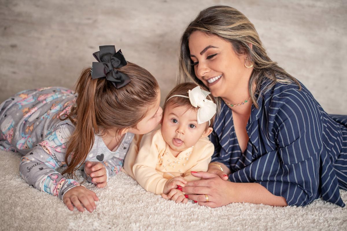 Imagem capa - Ensaio dia das mães família Michele Divério por Carolina Terra Corrêa da Silveira