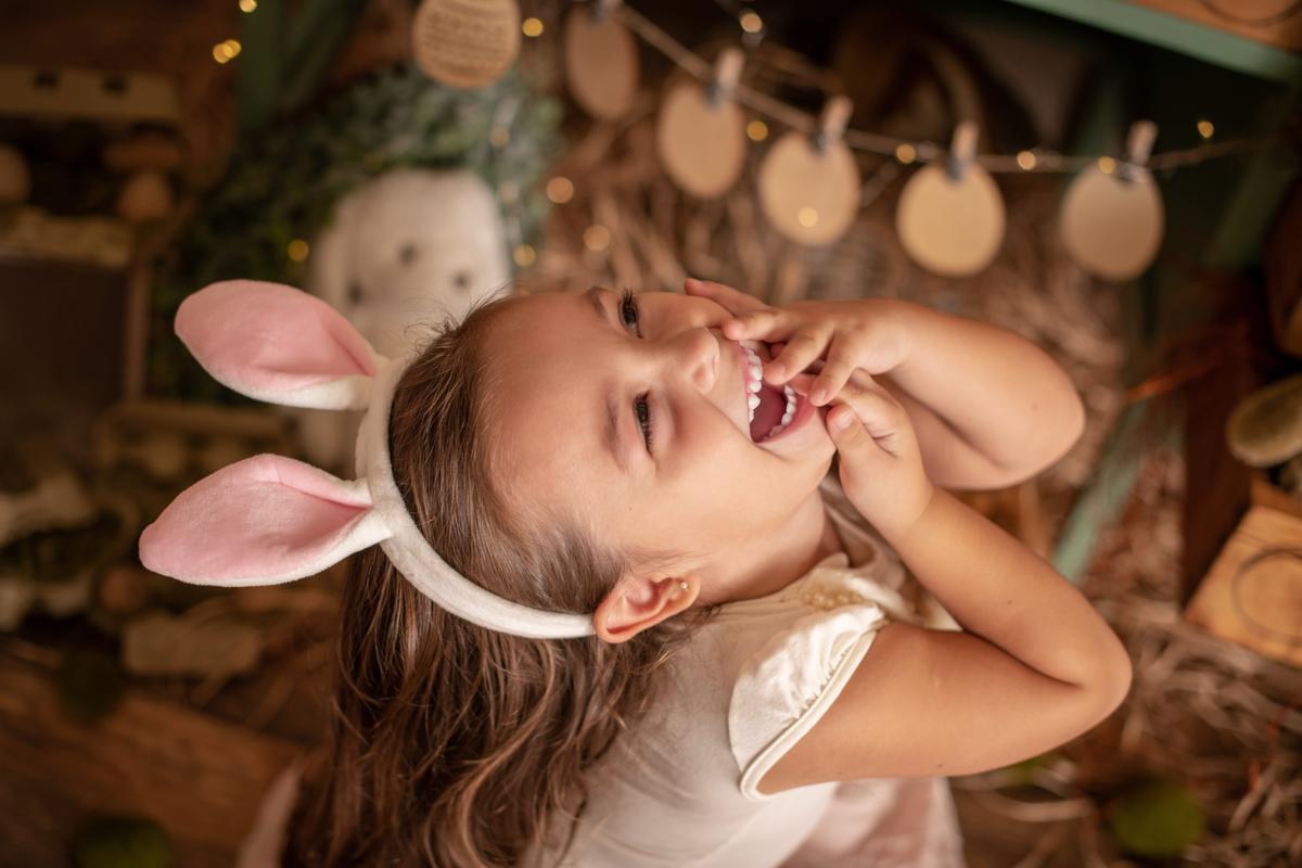 Imagem capa - cenário de páscoa com a minha coelhinha preferida por Carolina Terra Corrêa da Silveira