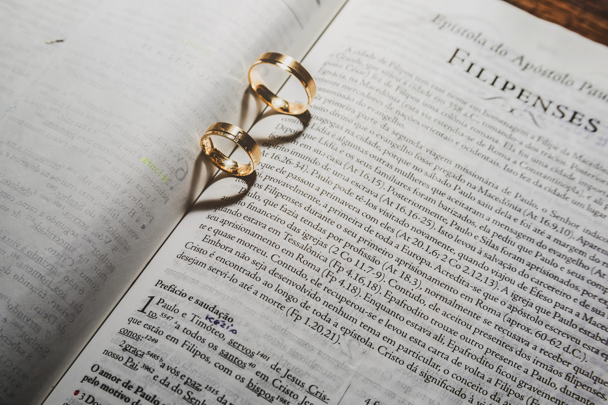 Imagem capa - Aliança de casamento por cesar cruz