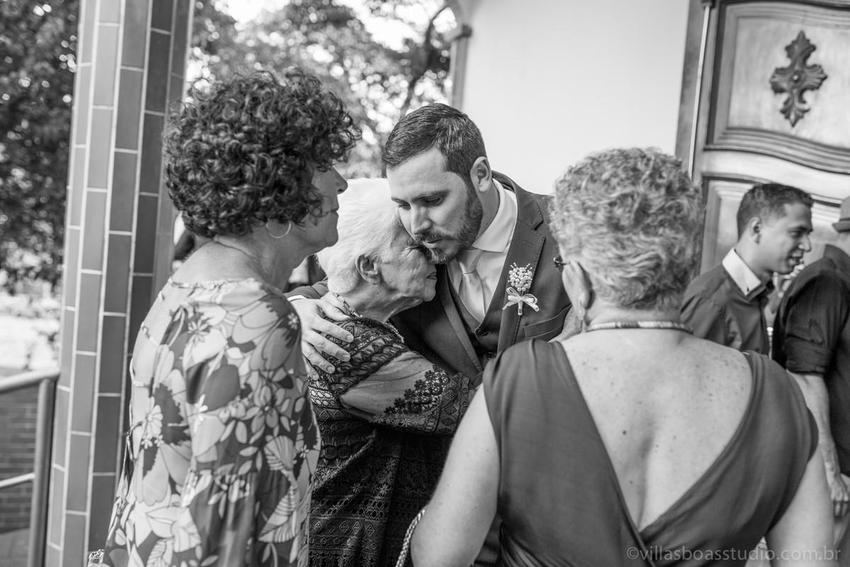 avos do noivo, emocao do noivo, muitas emoções do noivo, abraço do noivo, marcelovillasboas