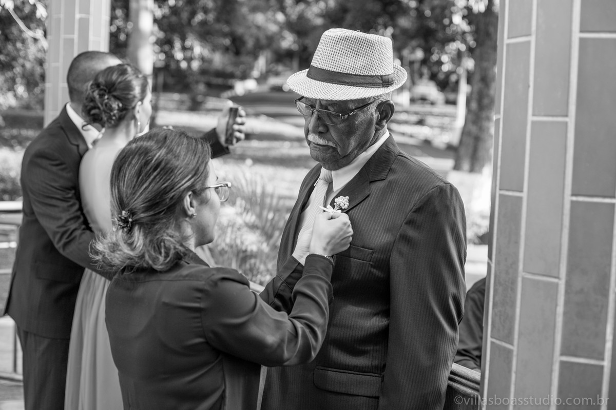 O pai da noiva, detalhe do pai da noiva, pai da noiva na porta da igreja, marcelovillasboas