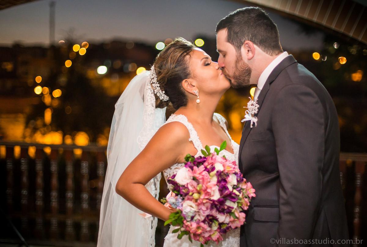 ensaio dos noivos, beijo dos noivos, marcelovillasboas