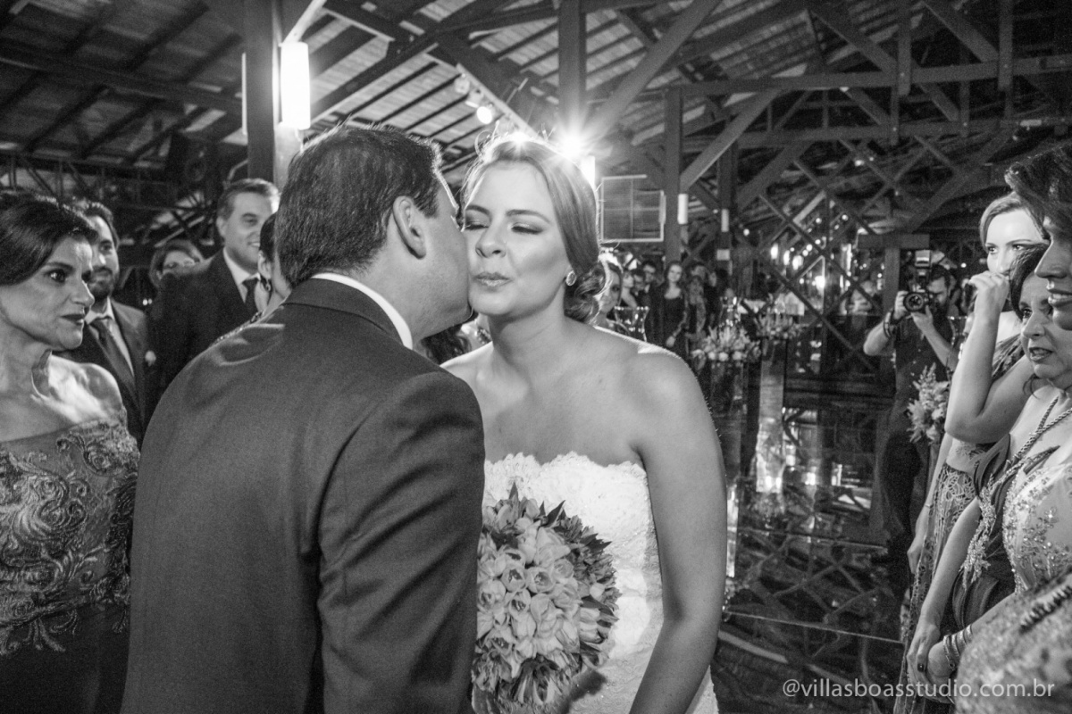 beijo do novo, beijo da noiva, noivo, noiva, chegada da noiva, chegada do noivo.