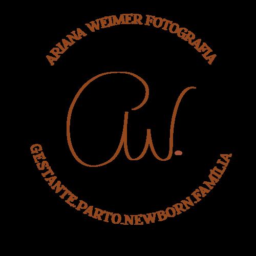 Logotipo de Ariana Weimer Fotografia