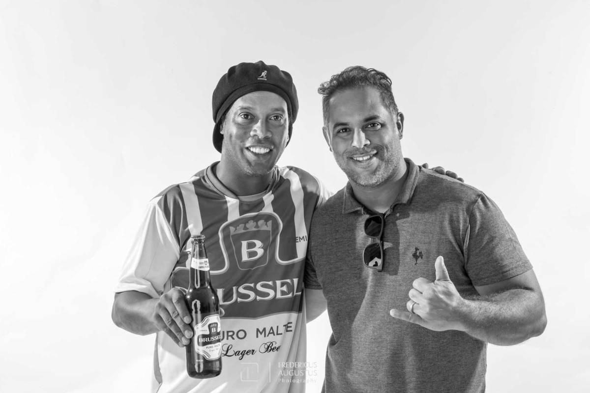 Imagem capa - Fotógrafo de Contagem Fredericus Augustus faz foto de campanha do Ronaldinho R10 por zoommg
