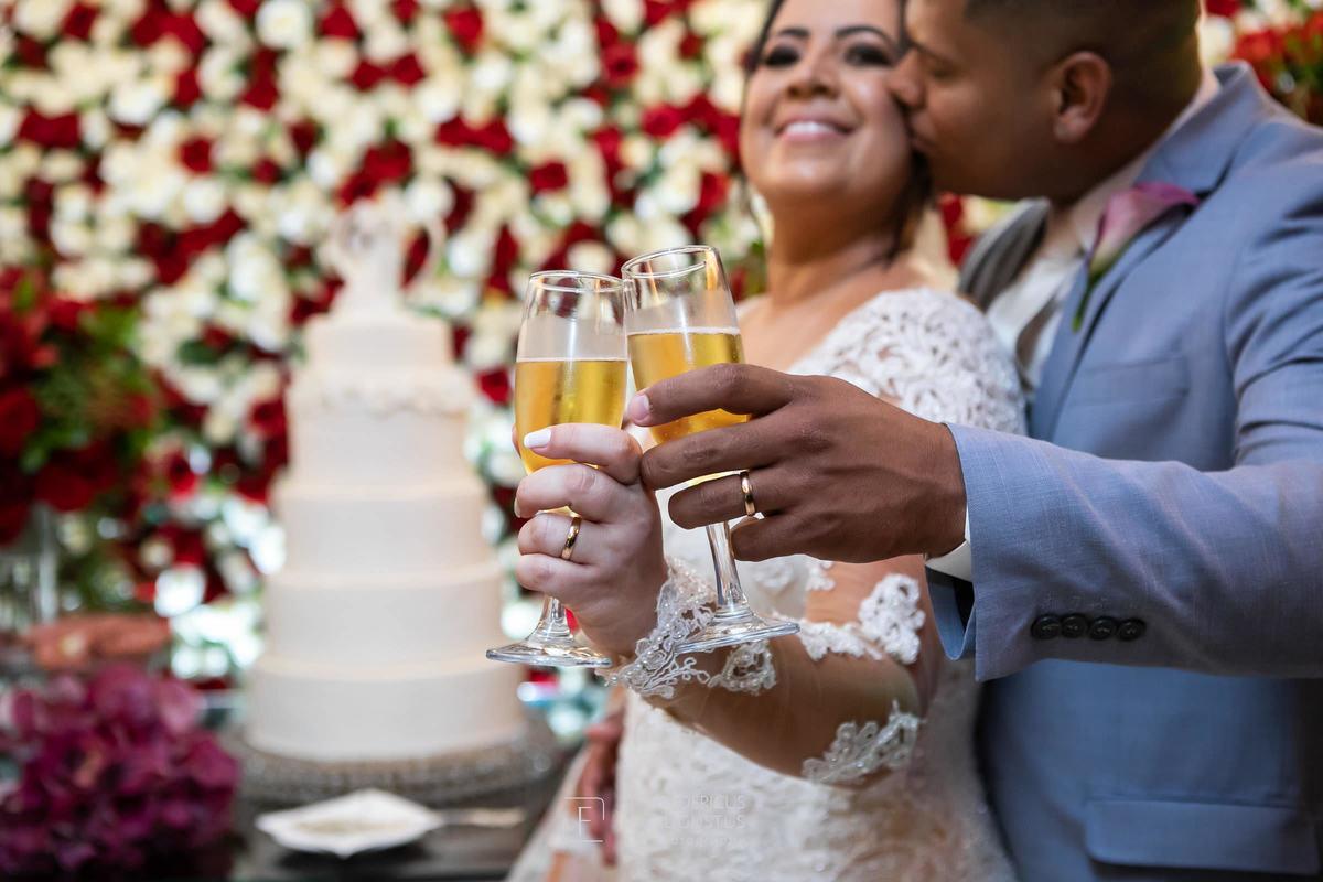 Imagem capa - Casamento de Denise e Marcel no Chalé Pampulha por zoommg