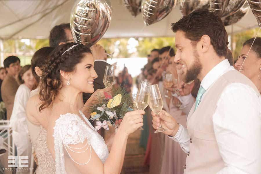 Imagem capa - Lívia e Sérgio | Casamento por erasmo ballot