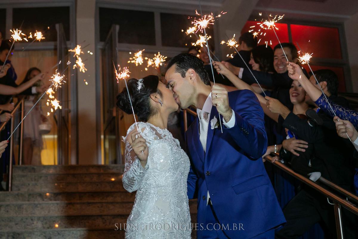 Imagem capa - Mais uma adaptação do casamento moderno por Sidnei Rodrigues Fotografias