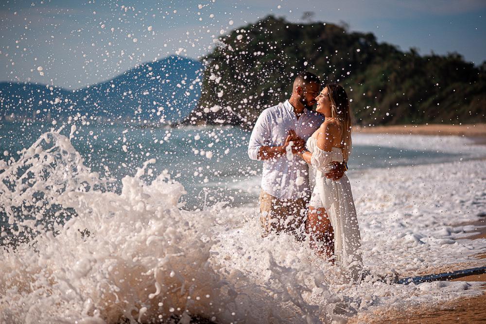 Imagem capa - 7 Lugares Incríveis em Itapema para seu Ensaio de Casal ou Pré Wedding por Diego Dahmer FOTO