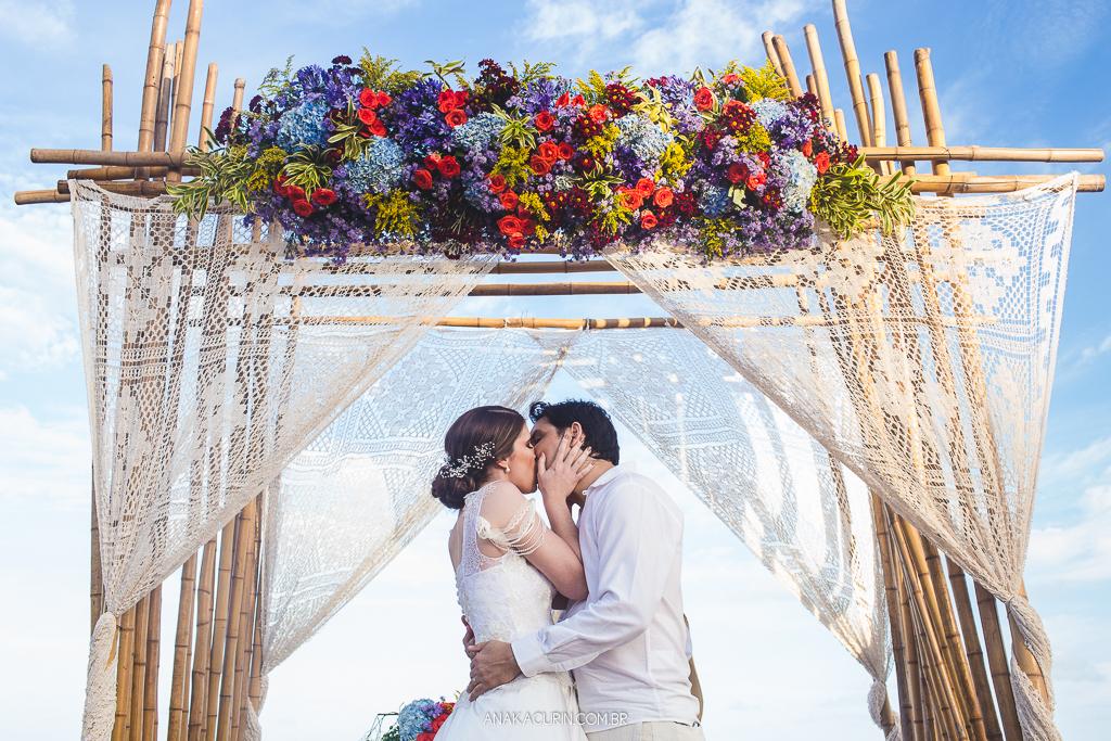 Imagem capa - Casando na melhor luz: como ter fotos lindas da cerimônia aos retratos. por Ana Kacurin