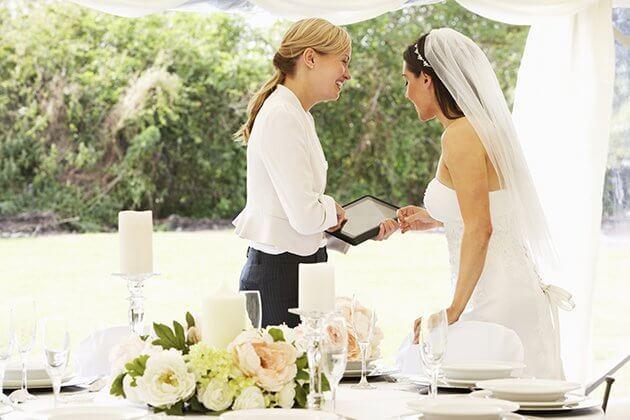 Imagem capa - 5 Dicas Para Não Errar Na Escolha Dos Fornecedores Do Seu Casamento por Aspect Movies Video Production