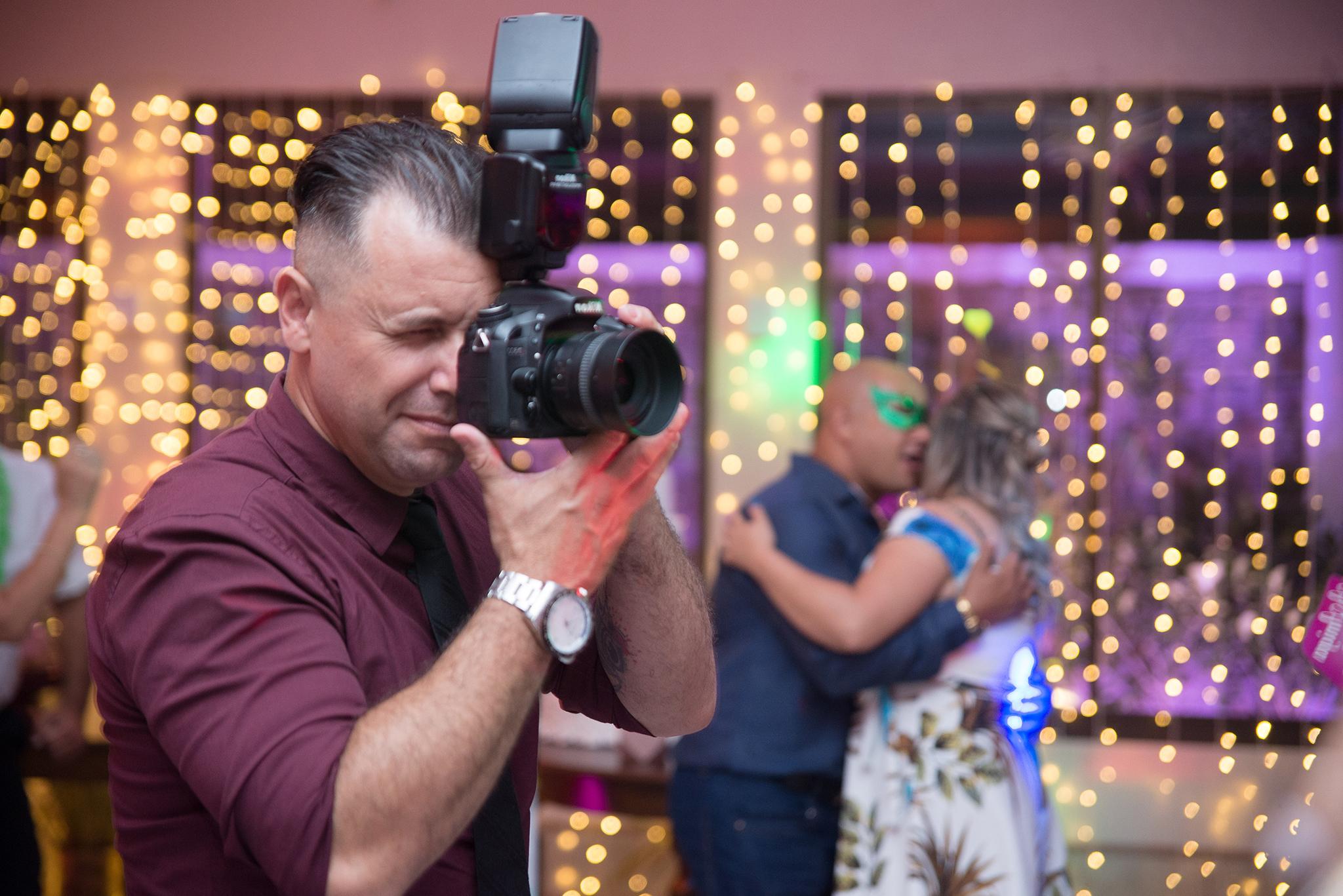 Sobre Marco Moscarelli Fotógrafo. Fotógrafo de casamentos,  formaturas, 15 anos e ensaios em Pelotas.