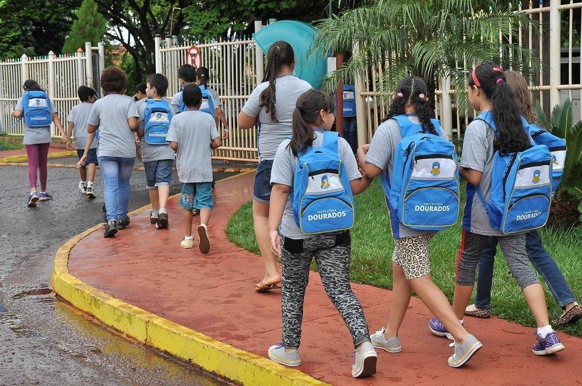 Imagem capa - CORONAVIRUS/ESTUDANTES: rede municipal suspende aulas em Dourados por EVENTO MS