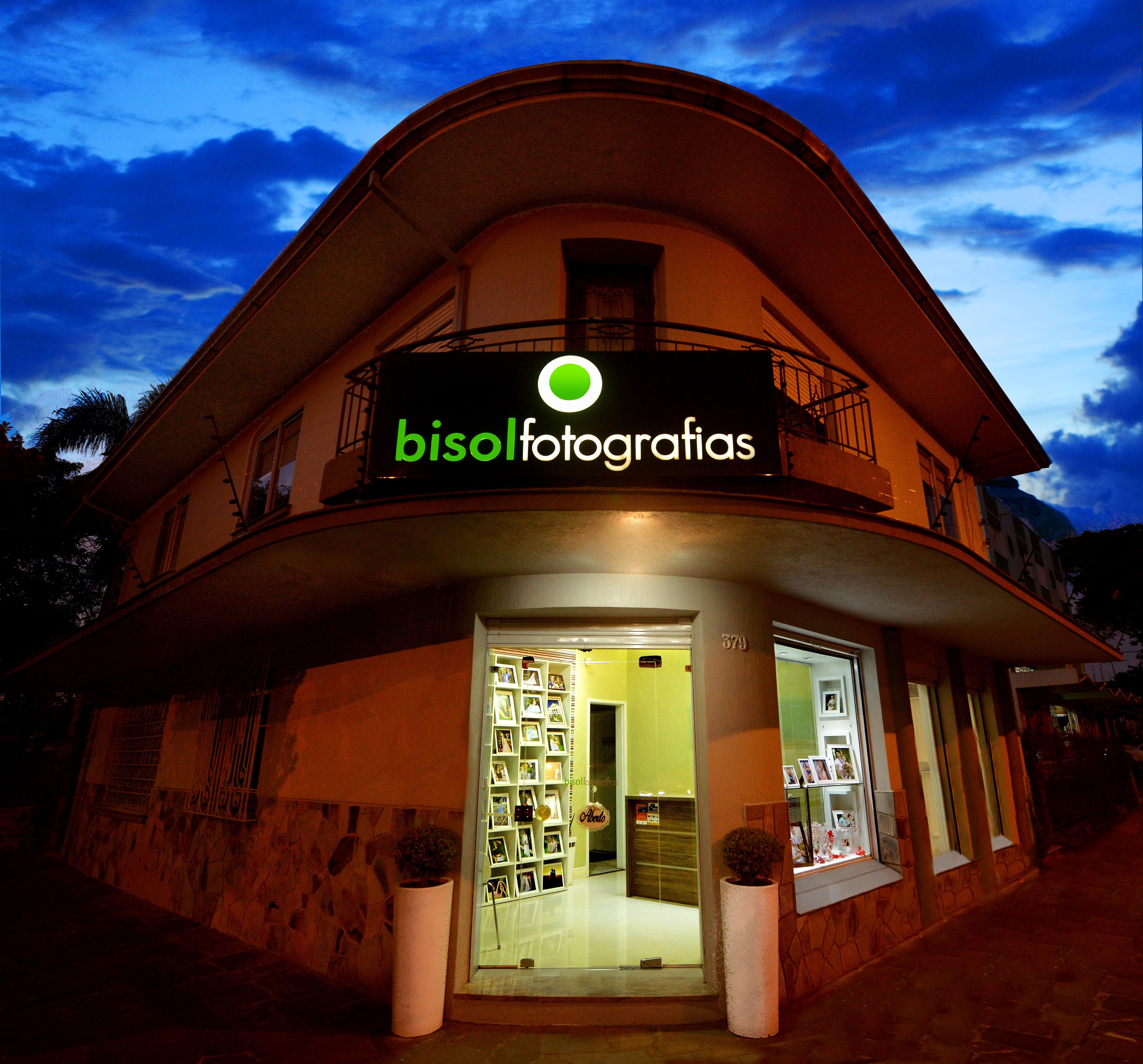 Contate Bisolfotografias, Fotografo de Casamento  e Ensaios de 15 Anos,  em Caxias do Sul - RS.