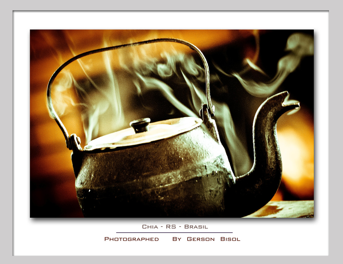 Imagem capa - A Chaleira por Gerson Bisol