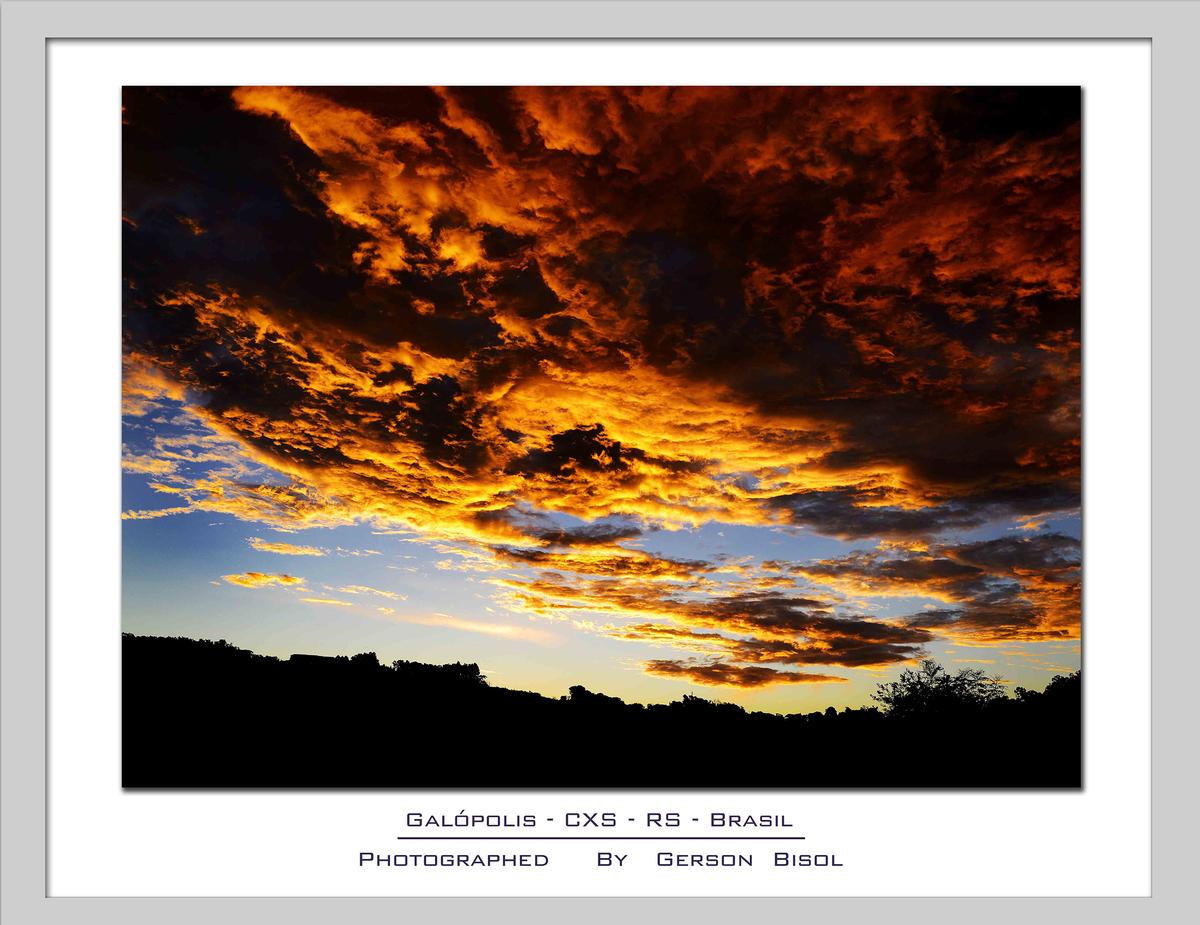 Imagem capa - Fogo ou Nuvem por Gerson Bisol