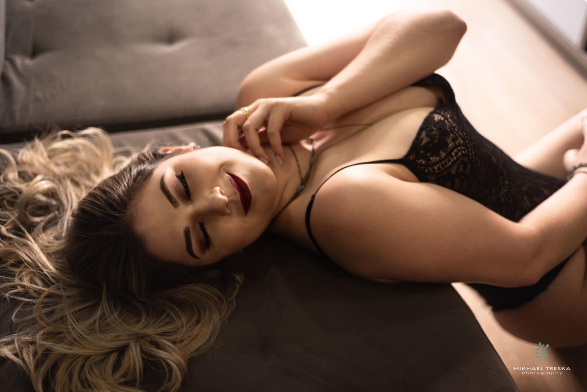 Imagem capa - 03 Razões pelas quais você deve fazer um ensaio sensual. por Mikhael Treska