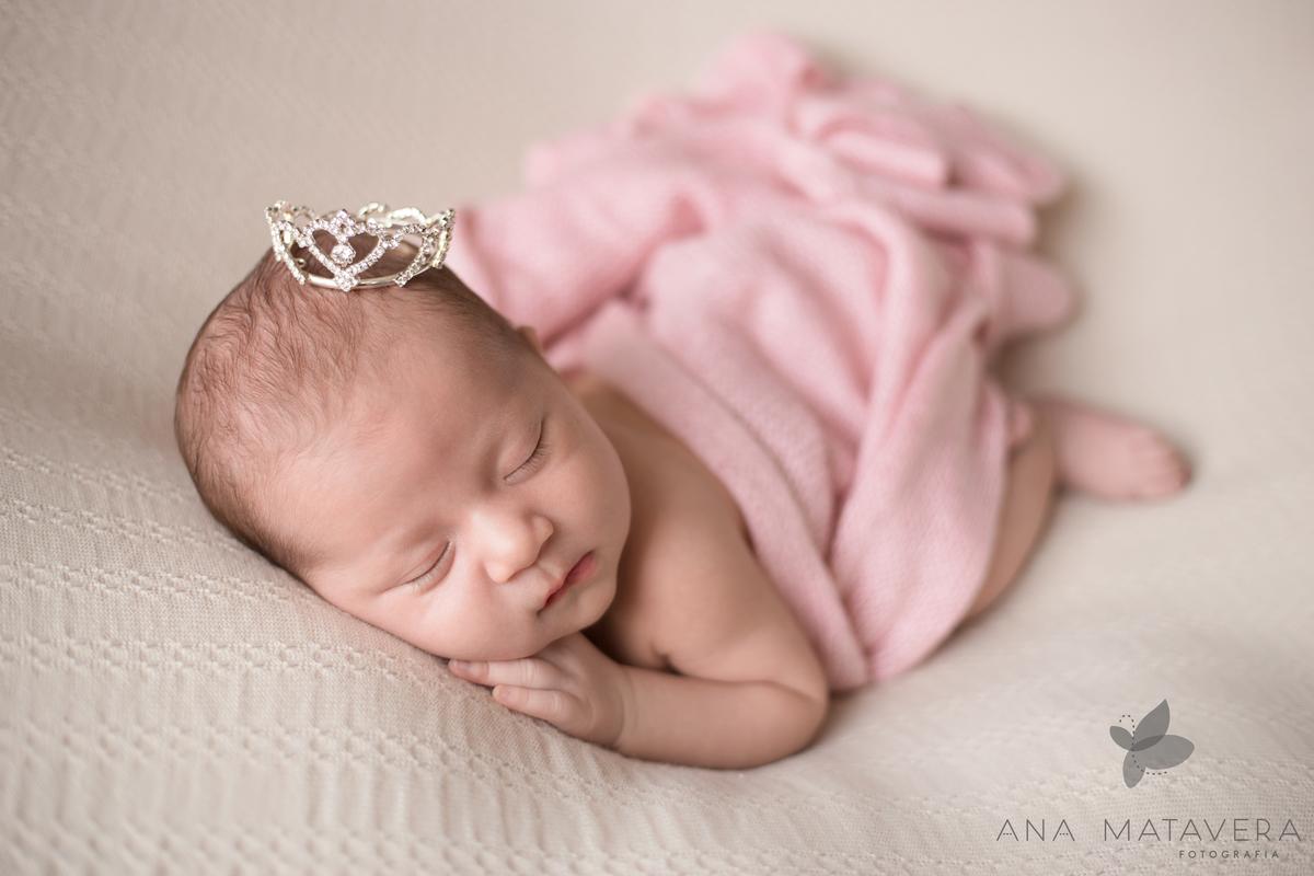 Imagem capa - As poses usadas no ensaio Newborn  por ANA MATAVERA