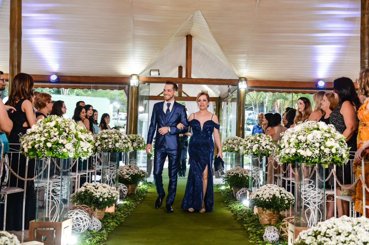 entrada do noivo na cerimonia