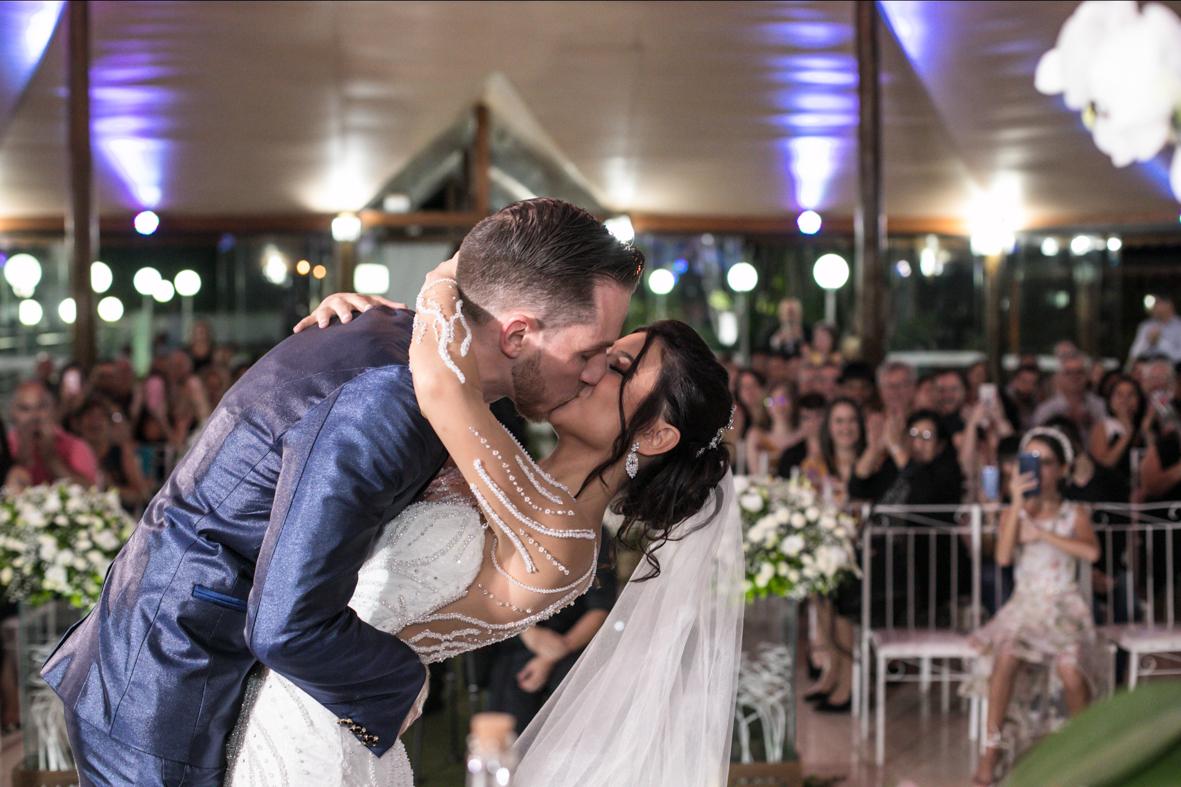 aquele beijo maravilhoso no final da cerimonia