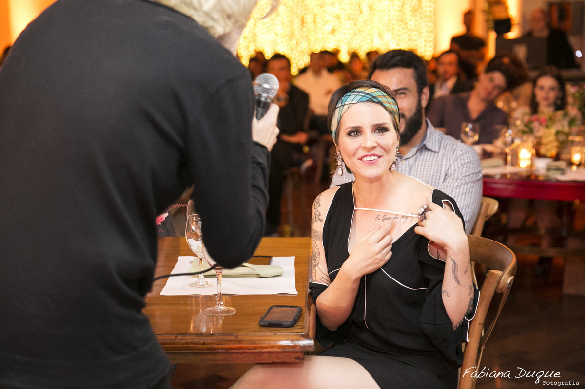 Show do Oswaldo Montenegro na festa surpresa fotografado por Fabiana Duque Fotografia