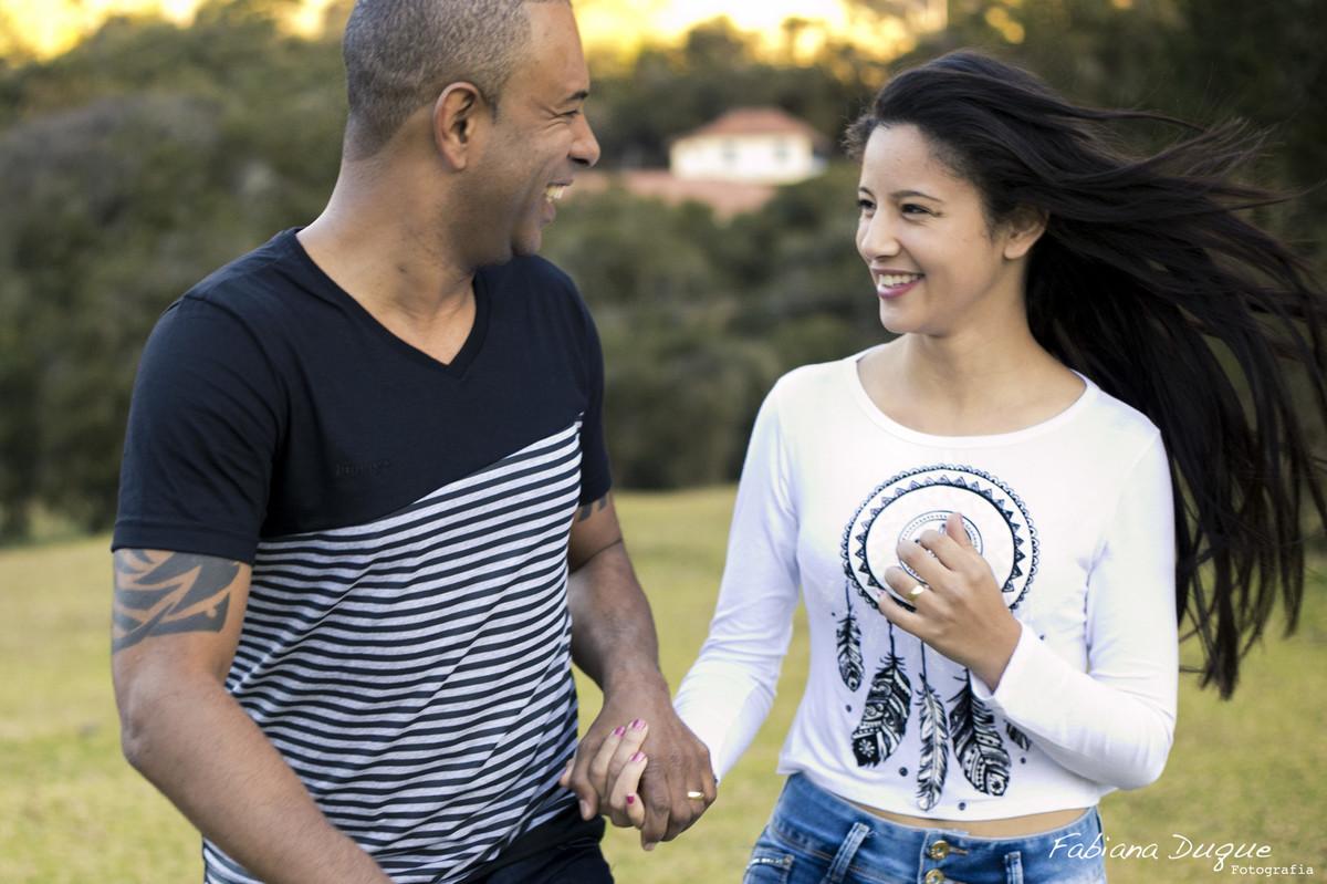 Ensaio de casal, fotos espontâneas, Monte Verde, Fabiana Duque Fotografia